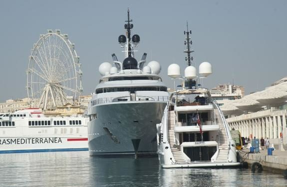 Bids invited to build megayacht marina in Malaga's port, near Muelle Uno shops