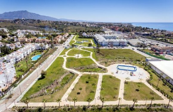 Costa del Sol's NEW 20,000 square metre park features playgrounds, palm tree oasis, meadow and MORE
